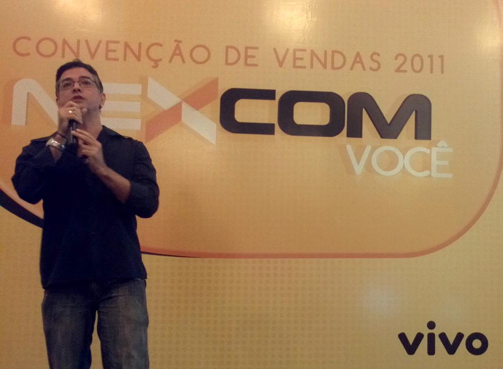 pedro-cordier-equilibra-digital-convencao-de-vendas-nexcom-2011-apresentacao-aplicativo-alma-gemea-04