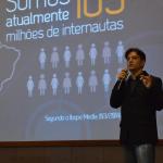 Professor Pedro Cordier falando sobre os 105 milhões de brasileiros conectados